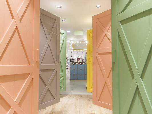 Tezenis flagship store refurbished by DVM group
